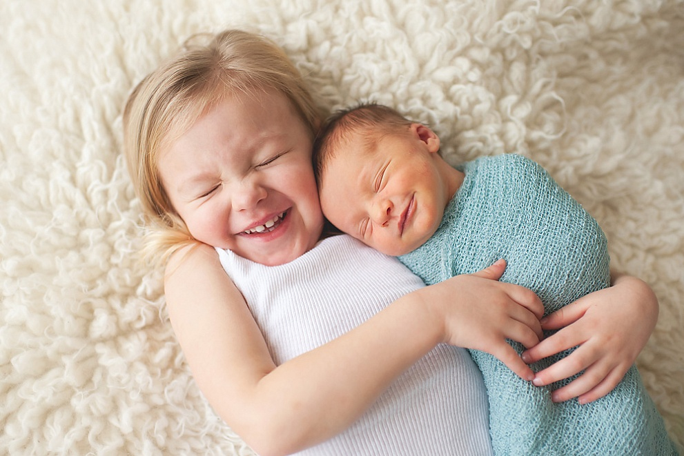best natural newborn photographers
